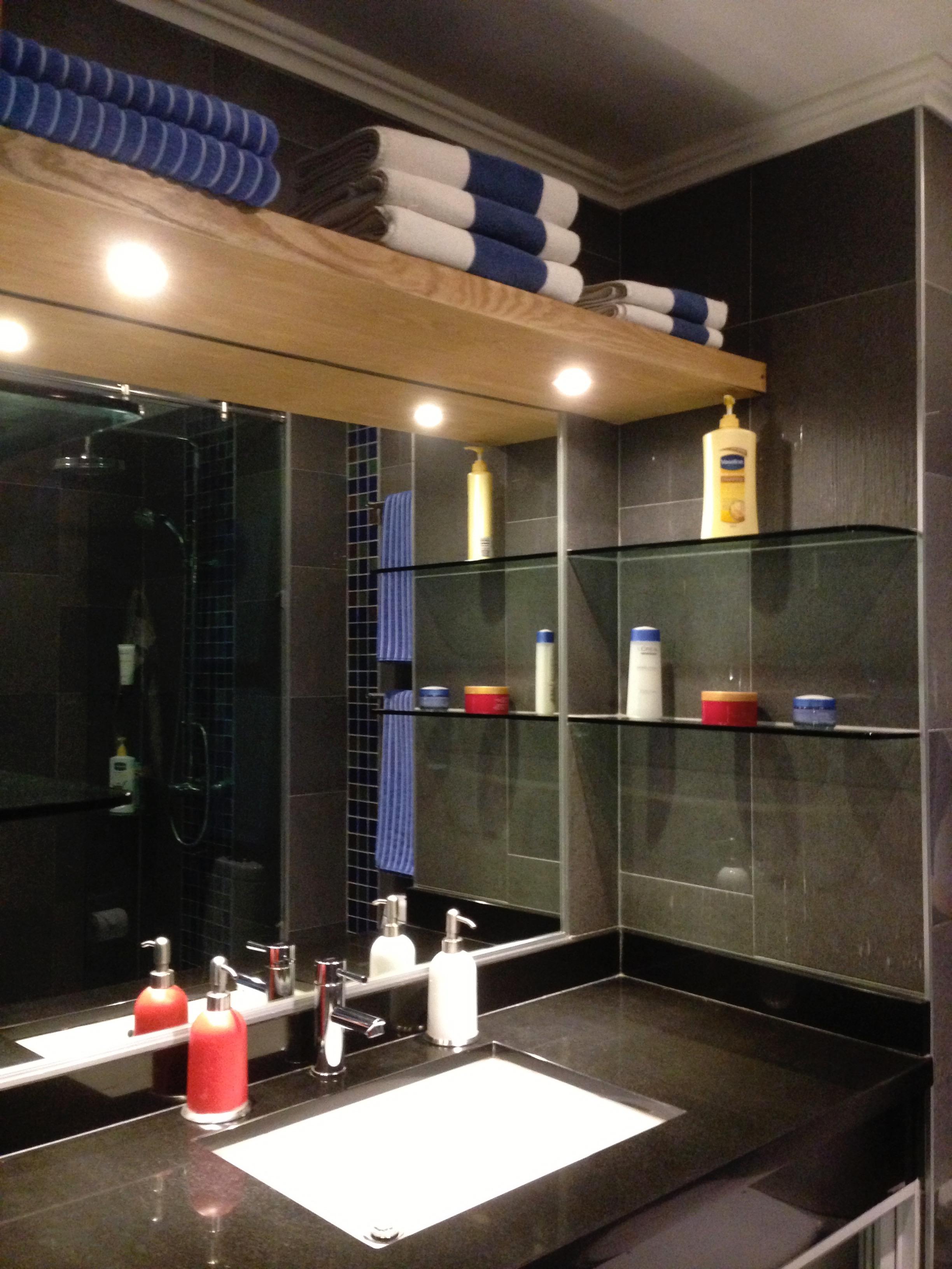 bathrooms (32)