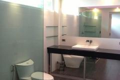 bathrooms (13)
