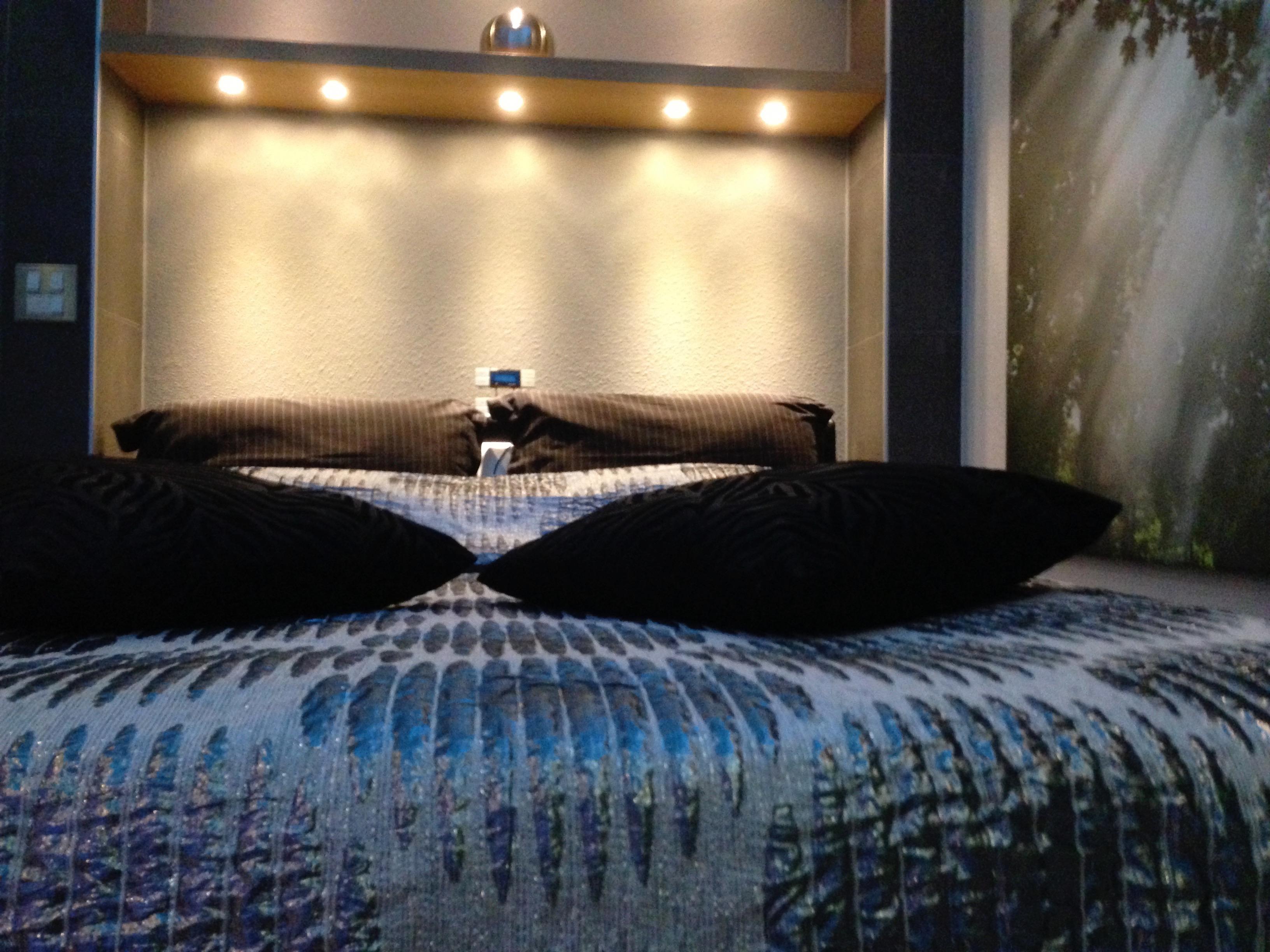 bedrooms (24)