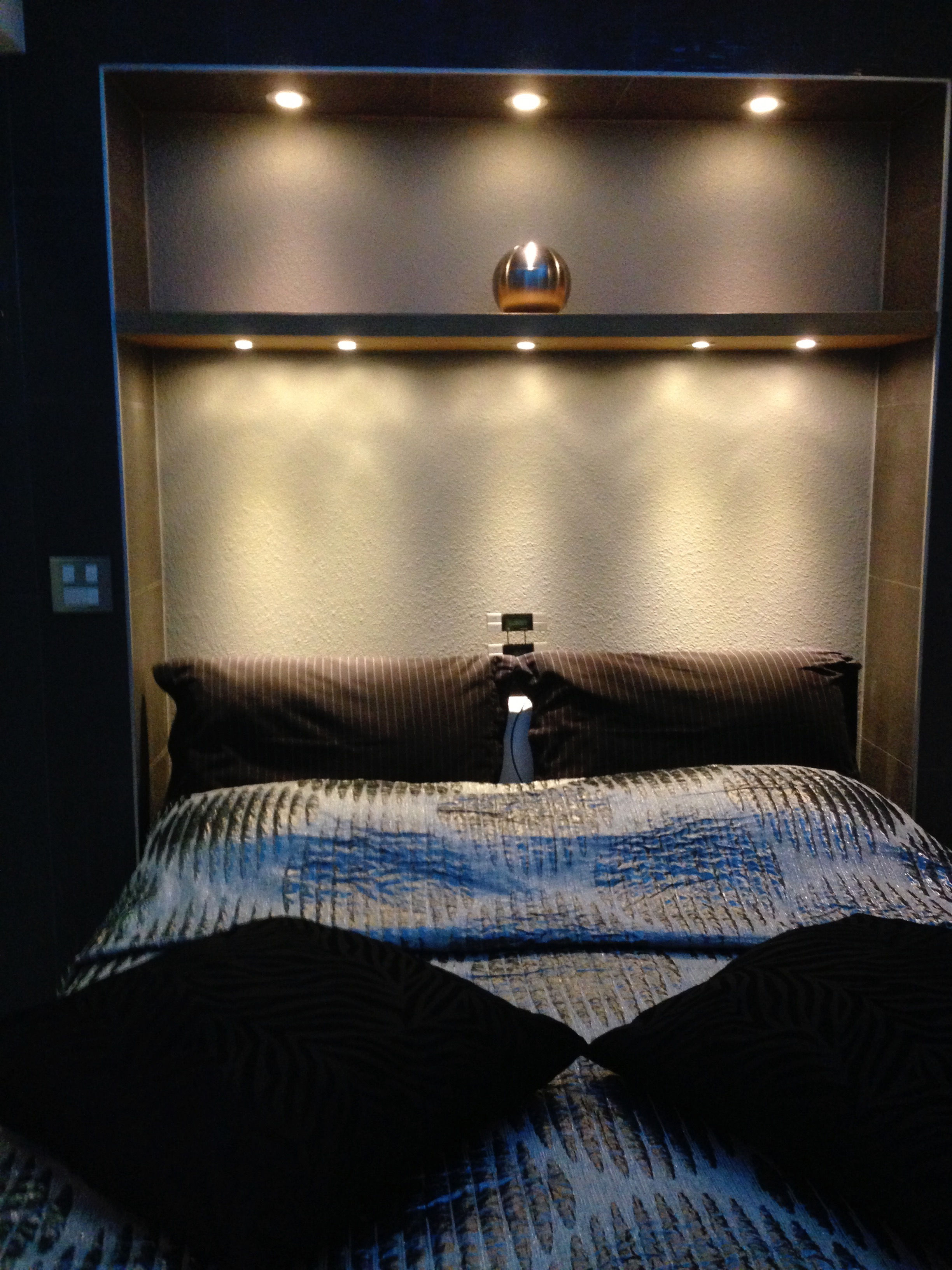 bedrooms (25)